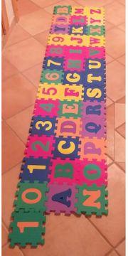 Bodenpuzzle Buchstaben u Zahlen Puzzle