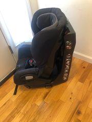 Maxi-Cosi Axiss drehbarer Kindersitz
