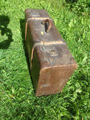 Großer antiquarischer Reisekoffer - Deko - Sammler