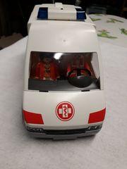 1 Krankenwagen von Playmobil mit