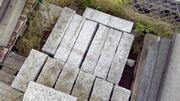 Abverkauf Palisade Naturstein Granit grau-weiß behauen
