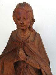 Holzfigur betende Madonna