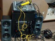 Hohner-Akkordeon und Musikanlage von Syrincs