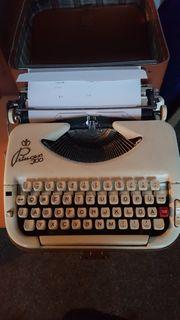 Alte Schreibmaschine Princess 300 im
