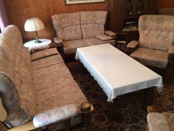 Wohnzimmer Sofagarnitur mit Tisch eiche