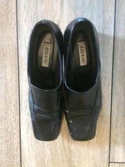 schwarze ARIANE Schuhe Größe 40