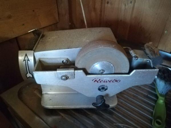 Sahnemaschine und Schleifmaschine