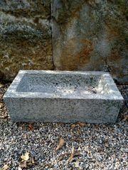 Steintrog aus Granit