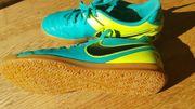 Nike Hallenschuh Gr 38
