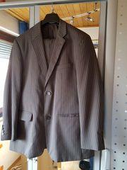 Gestreifter Herren-Anzug Größe 26
