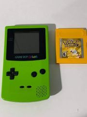 Gameboy Color und Pokemon Gelb