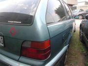 BMW e36 Kombi 323 moreagruen