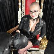 Madame Simone von Weiberfastnacht bis