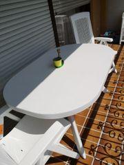 Gartentisch mit Stühle