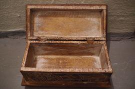 Holz Schatulle Box geschnitzt Kornblume: Kleinanzeigen aus Ludwigsburg Mitte - Rubrik Sonstige Antiquitäten