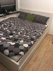 gebrauchtes tadelloses Bett