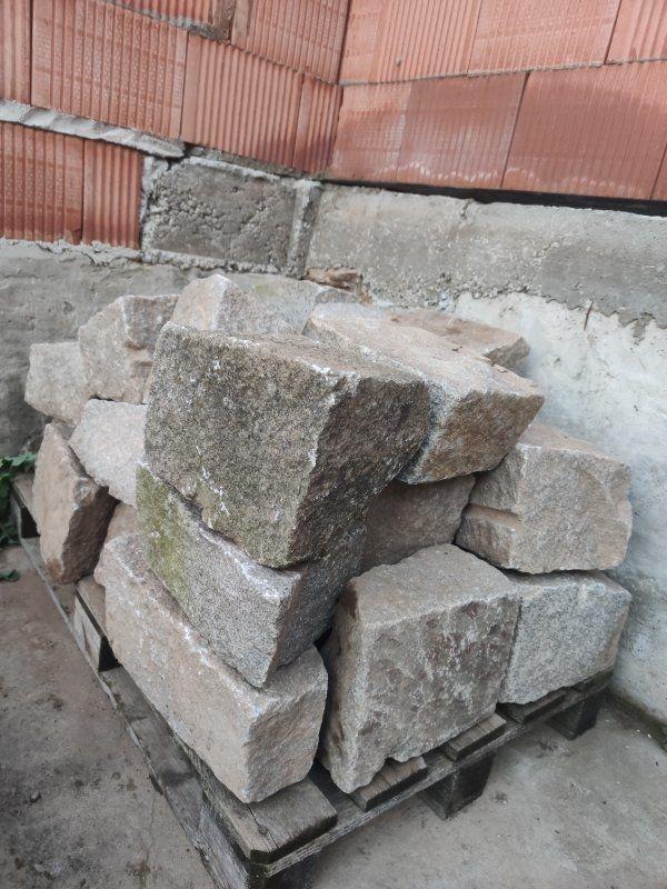 Granitsteine Bruchsteine Trockenmauer