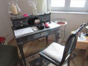 Sekretär mit pasendem Stuhl