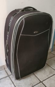 Großer schwarzer Koffer