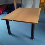 schöner Tisch sehr stabil 160x120
