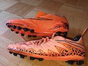 Fussball Schuhe Gr 40 5