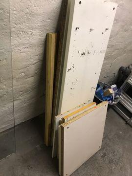 Biete kostenlos - IKEA Schrank Teile Holzstücke zu