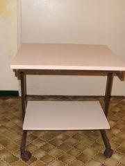 Universal-Tisch fahrbar beigefarben zu verkaufen