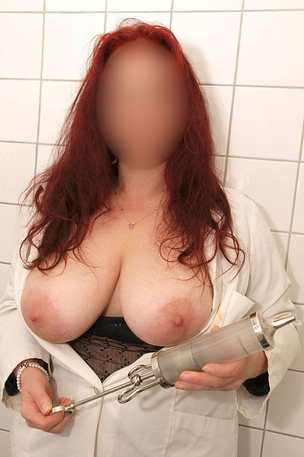 Fetisch Erotik Frau Doktor untersucht