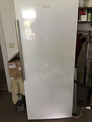 Gefrierschrank no Frost 305 l