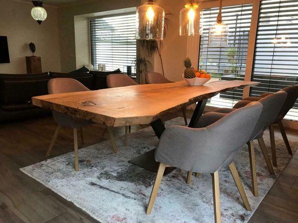 Massivholz Esstische mit Baumkante - Tische