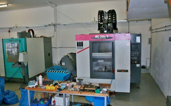 CNC-Bearbeitungszentrum STAMA MC 326S