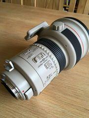 Canon Objektiv EF 200mm 1
