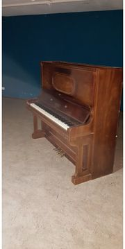Klavier voll funktionsfähige