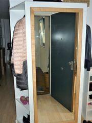 Garderobe vom Schreiner gefertigt für