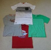 Auswahl T-Shirts Gr 152 3