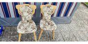 Eckbank Tisch und 2 Stühle