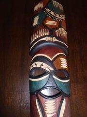 Handgeschnitzte Holzmaske