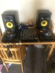 Paar Pioneer CDj 900 und