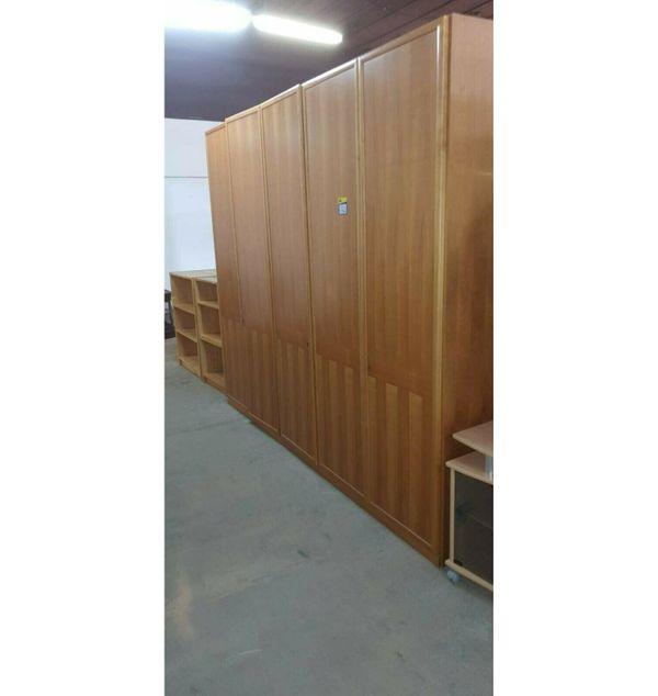 Kleiderschrank 5-türig 277x226x62 gepflegt - HH180329