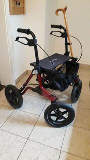 Pflegebett Rollstuhl 2 Rollatoren Toilettenstuhl
