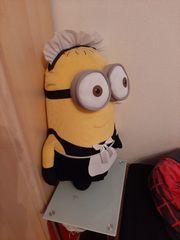 Minions Figur Dave als Zimmermädchen