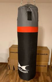 Hammer Boxsack und Boxhandschuhe