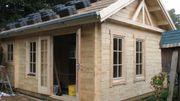 Gartenhaus Dachfenster Holzfußboden Holzterrassen Baumhäuser