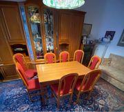 Tisch Massivholz und 8 Stühle