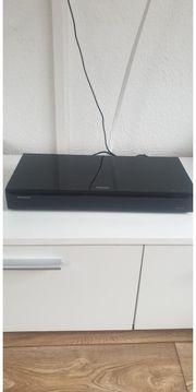 Neuwertiger Panasonic DMP-UB704 UHD