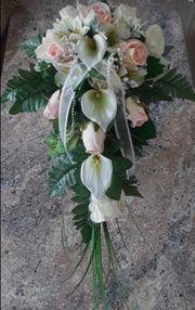 Neuer Brautstrauß Dekostrauß