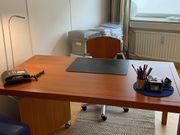 Schöne Büromöbel mit Schreibtisch hochwertig