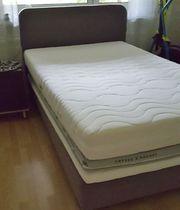 Schönes Bett Neuwertig 120 cm