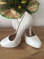Weiße High Heels