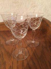 3 Weingläser Glas geschliffen dünn